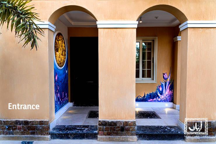 Villa In MiViDa:  الممر والمدخل تنفيذ  Ariaf Authentic Design House, تبسيطي