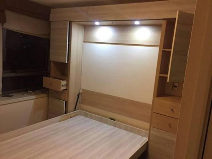 Cama abatible vertical con muebles a medida e iluminación:  de estilo  por Kamas y Petacas, Minimalista Aglomerado