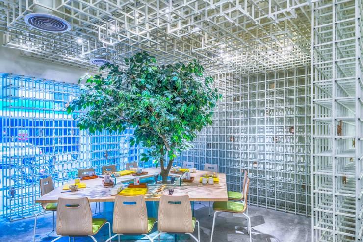 樹下野餐吧!:  商業空間 by 亚卡默设计 Akuma Design , 現代風 水泥