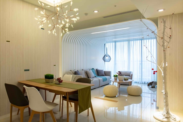 北歐風餐廳與客廳: 極簡主義  by 亚卡默设计 Akuma Design , 簡約風 合板