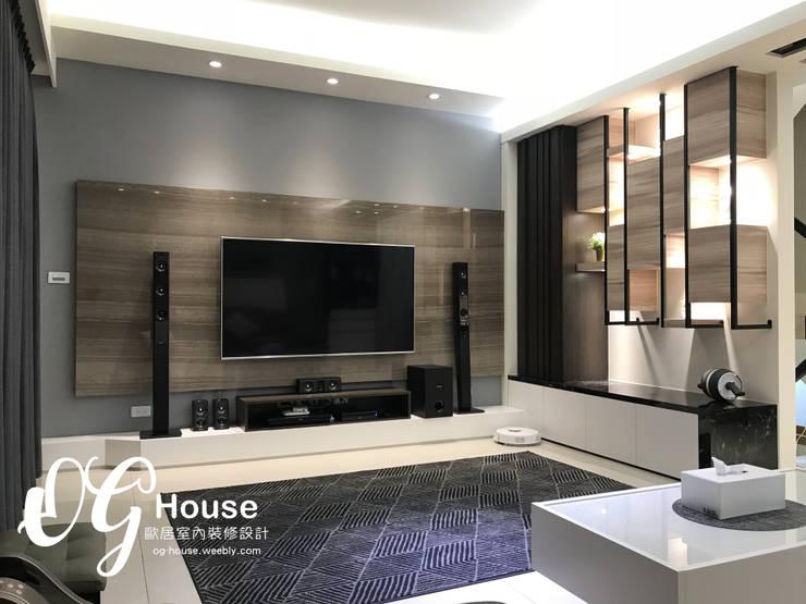 現代簡約風格:  客廳 by 歐居室內設計有限公司, 現代風