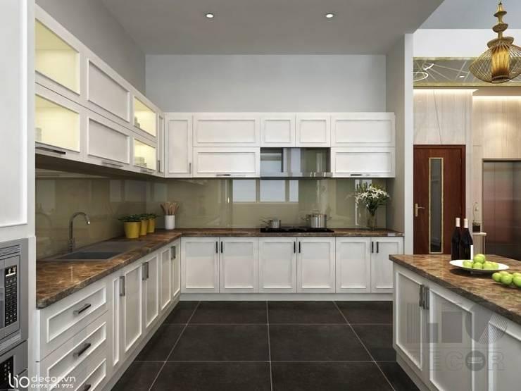 Tủ bếp : cổ điển  by Lio Decor, Kinh điển MDF