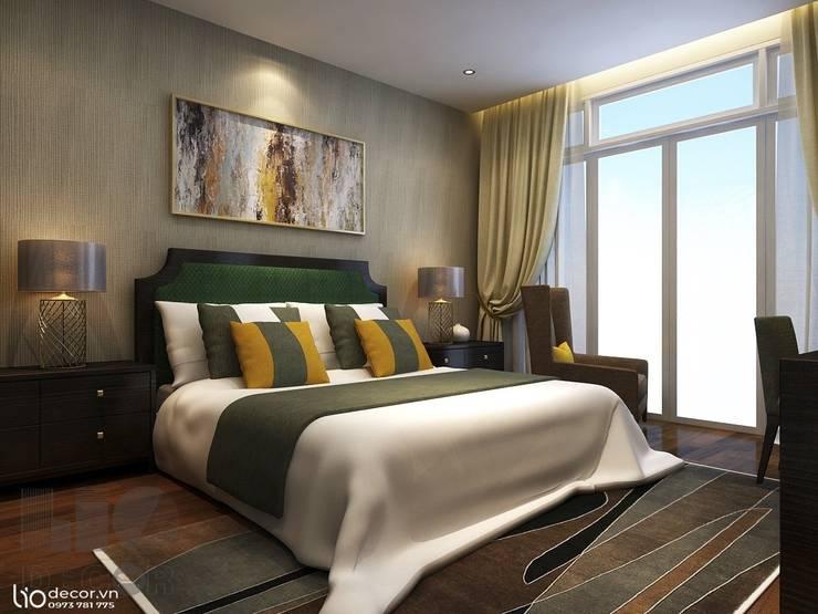 giường ngủ: cổ điển  by Lio Decor, Kinh điển Lụa Yellow