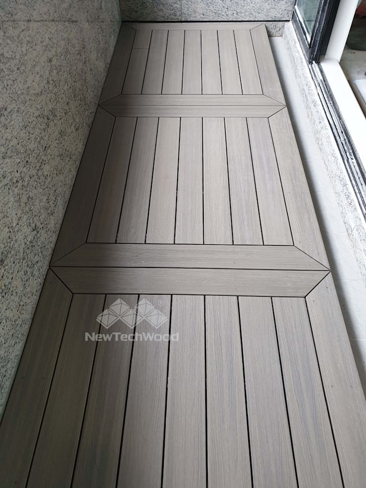 【面板的變化— 畫框式設計的實品屋陽台】:  陽台 by 新綠境實業有限公司, 日式風、東方風 塑木複合材料