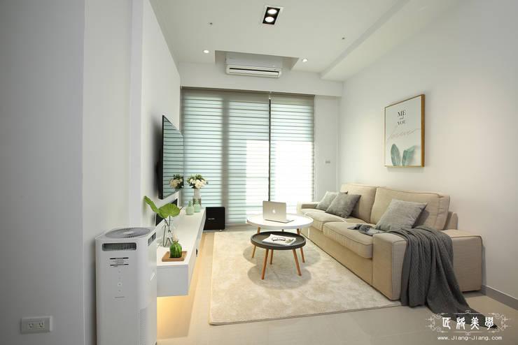 白灰之間:  客廳 by 匠將室內裝修設計股份有限公司, 現代風