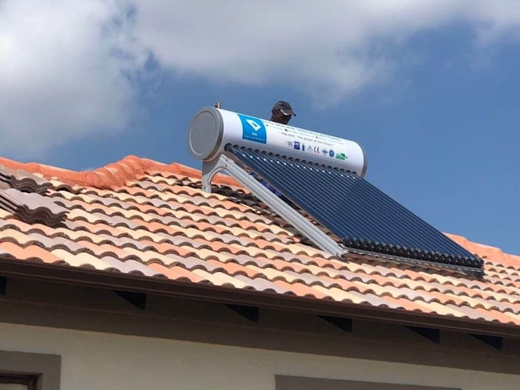 solar geyser installation:  Bathroom by The Pro Plumber Polokwane, Classic