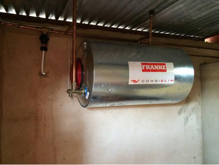 Geyser Installation:  Bathroom by Durbanville Plumbing Group (Pty) Ltd, Classic
