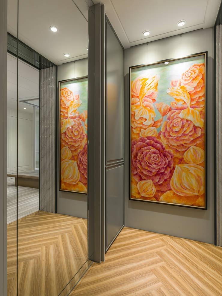 玄關端景:  走廊 & 玄關 by 你你空間設計, 古典風 複合木地板 Transparent