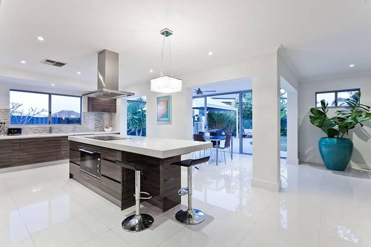 Zambezi Estate- Interior Architecture:  Built-in kitchens by Wentworth Construction, Modern Granite