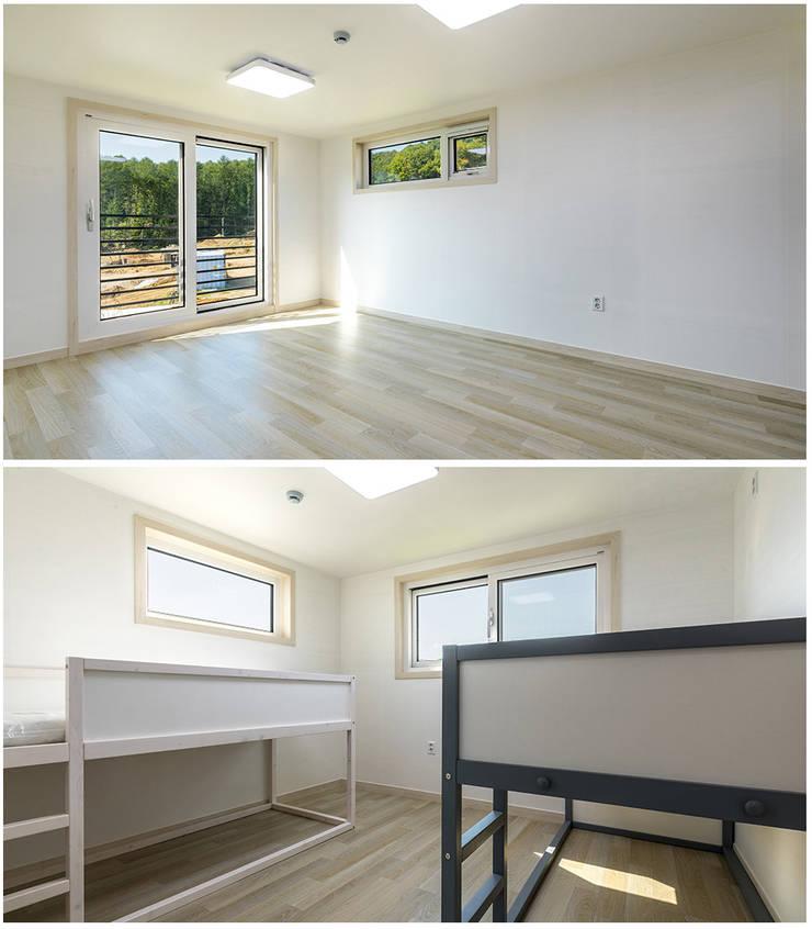 Interior :: 내부: 공간제작소(주)의  목조 주택,클래식