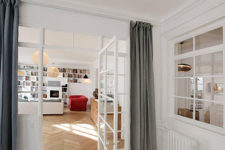 Espace de vie: Salon de style  par Créateurs d'Interieur, Éclectique
