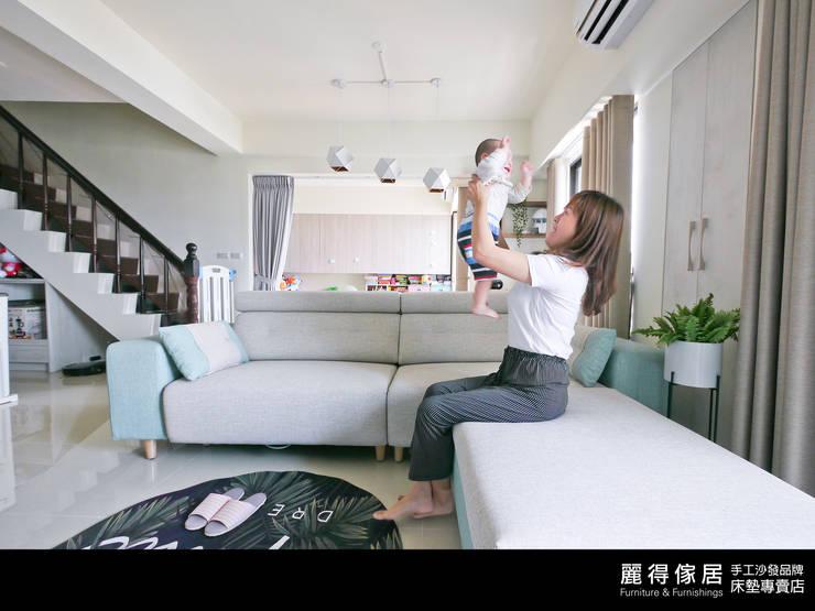 訂製沙發客人實拍(二): 斯堪的納維亞  by 麗得傢俱訂製沙發櫥櫃家具, 北歐風 皮革 Grey