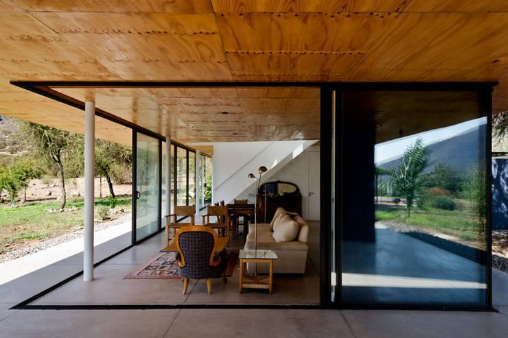 Casa Nogales: Casas de estilo  por Dx Arquitectos Spa, Moderno