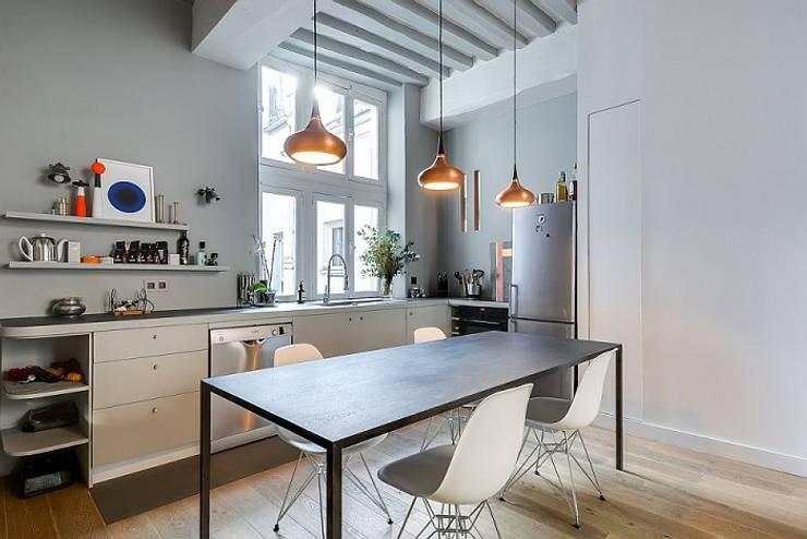 5 Mẫu Tủ Bếp Đẹp Tiện Nghi Với Cách Bố Trí Đèn Thông Minh: hiện đại  by Công Ty Thiết Kế Thi Công Nội Thất Sense Home, Hiện đại Gỗ Wood effect