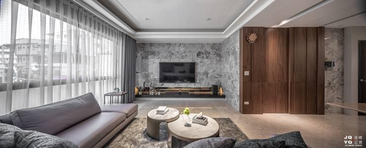 永豐富餘-周公舘 现代客厅設計點子、靈感 & 圖片 根據 俊晴亞貴室內裝修工程有限公司 現代風