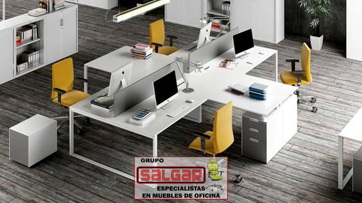 Muebles para oficina by Grupo Salgar