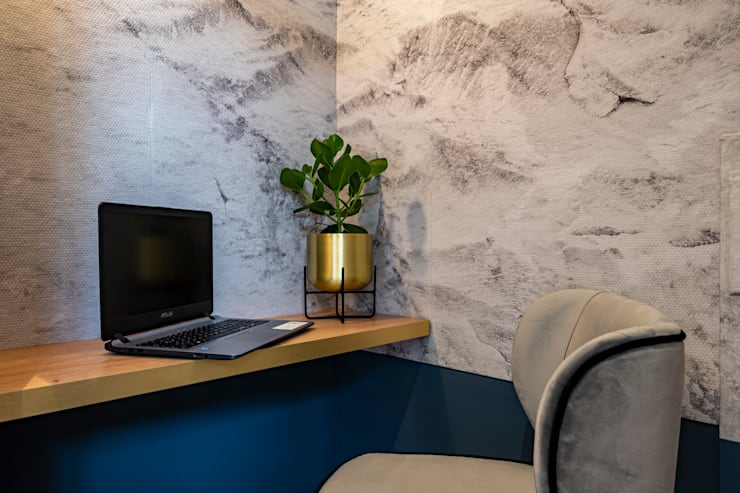 Marble wallpapers: modern  von Ivy's Design - Interior Designer aus Berlin,Modern Papier