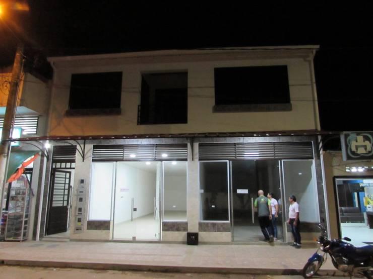 Locales Edgar de A&C Proyectos Arquitectura e Ingeniería S.A.S. Moderno