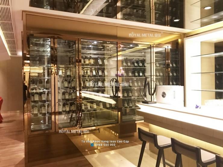 Hầm rượu, Tủ ướp rượu vang inox hiện đại của Nhà hàng cao cấp: hiện đại  by CONG TY TNHH ROYAL METAL, Hiện đại Kim loại