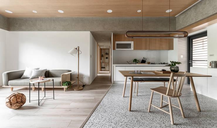 木果果 斯堪的納維亞風格的走廊,走廊和樓梯 根據 寓子設計 北歐風