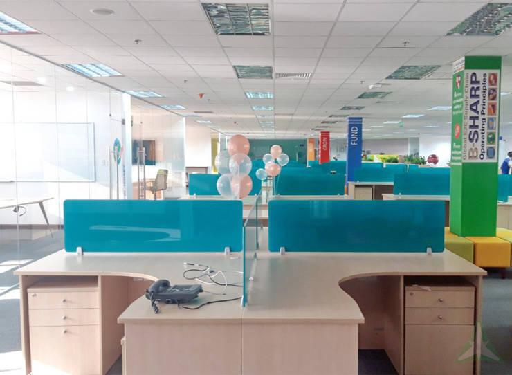 VĂN PHÒNG NHÀ MÁY COLGATE – PALMOLIVE Phòng học/văn phòng phong cách hiện đại bởi VAN NAM FURNITURE & INTERIOR DECORATION CO., LTD. Hiện đại