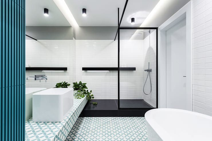 Sonyachna Brama Modern bathroom by Lugerin Architects Modern Ceramic