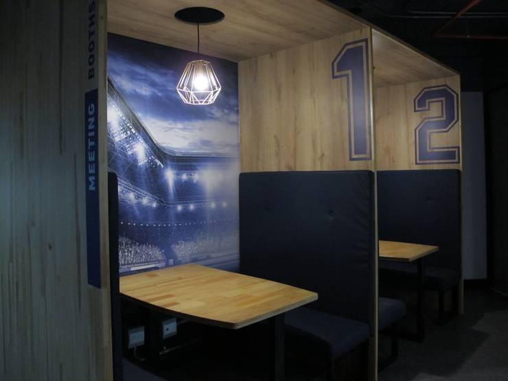Cubículos de reuniones abiertas Salas de estilo industrial de Proyecto Decc S.A.S. Industrial Contrachapado