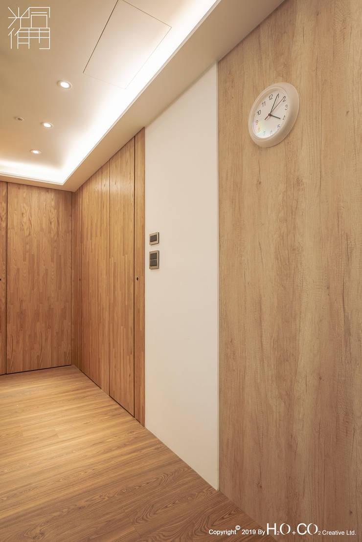 走廊 現代風玄關、走廊與階梯 根據 光合作用設計有限公司 現代風 塑木複合材料