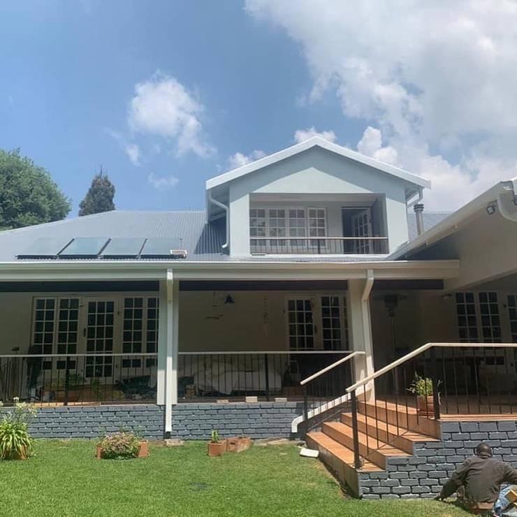 Repaint exterior Modern houses by CS DESIGN Modern