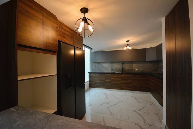 CASA ROA Modern Kitchen by Casa Época Arquitectos Modern