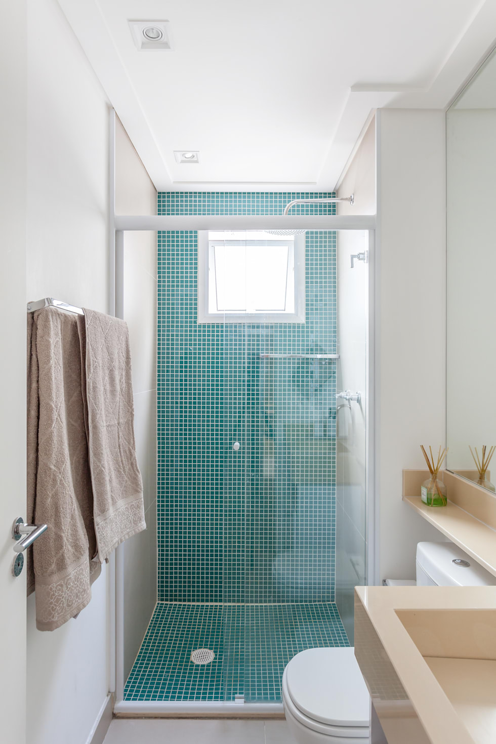 9 tiny bathrooms you have to copy today!