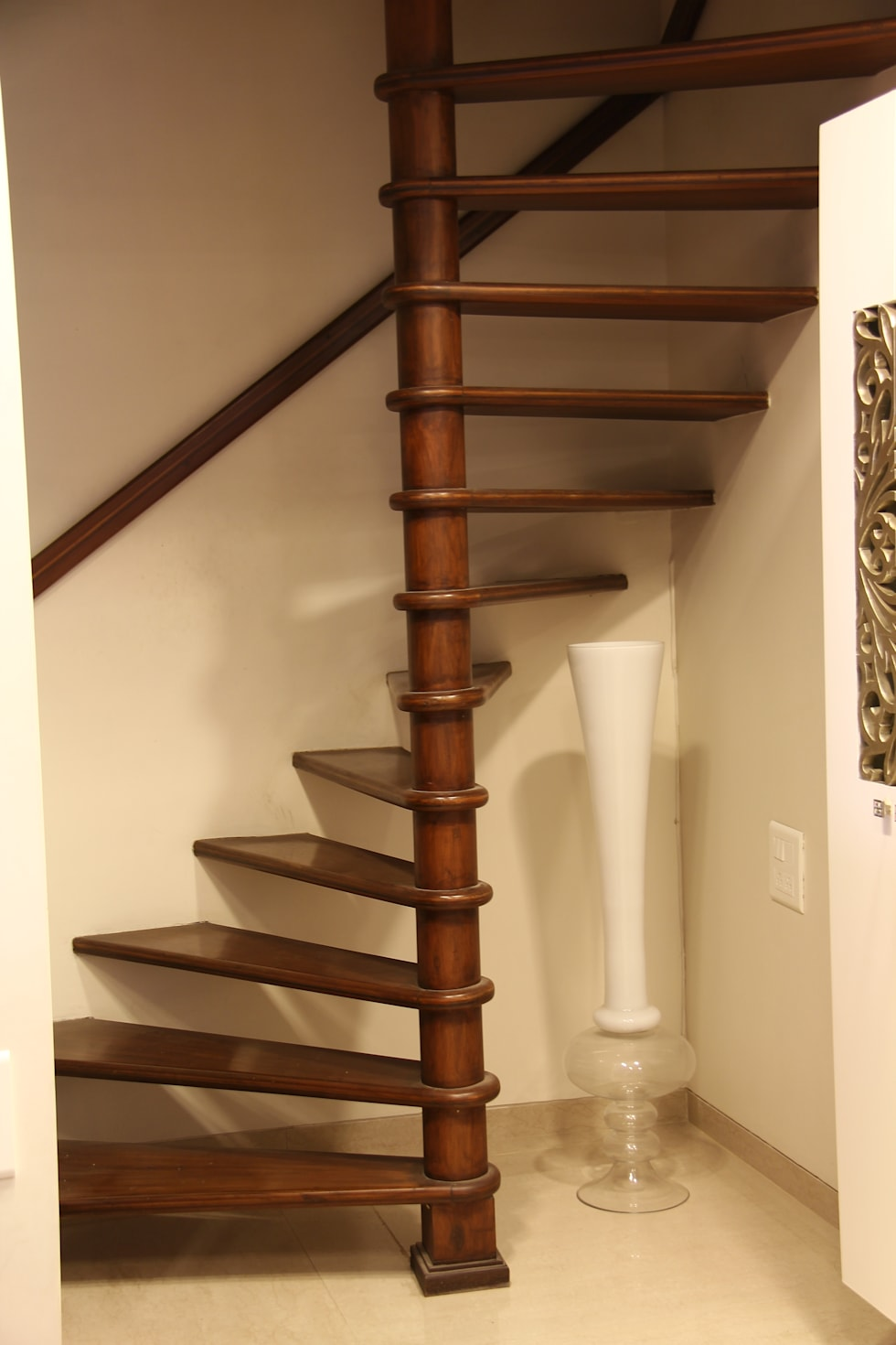 7 Staircase designs for small homes