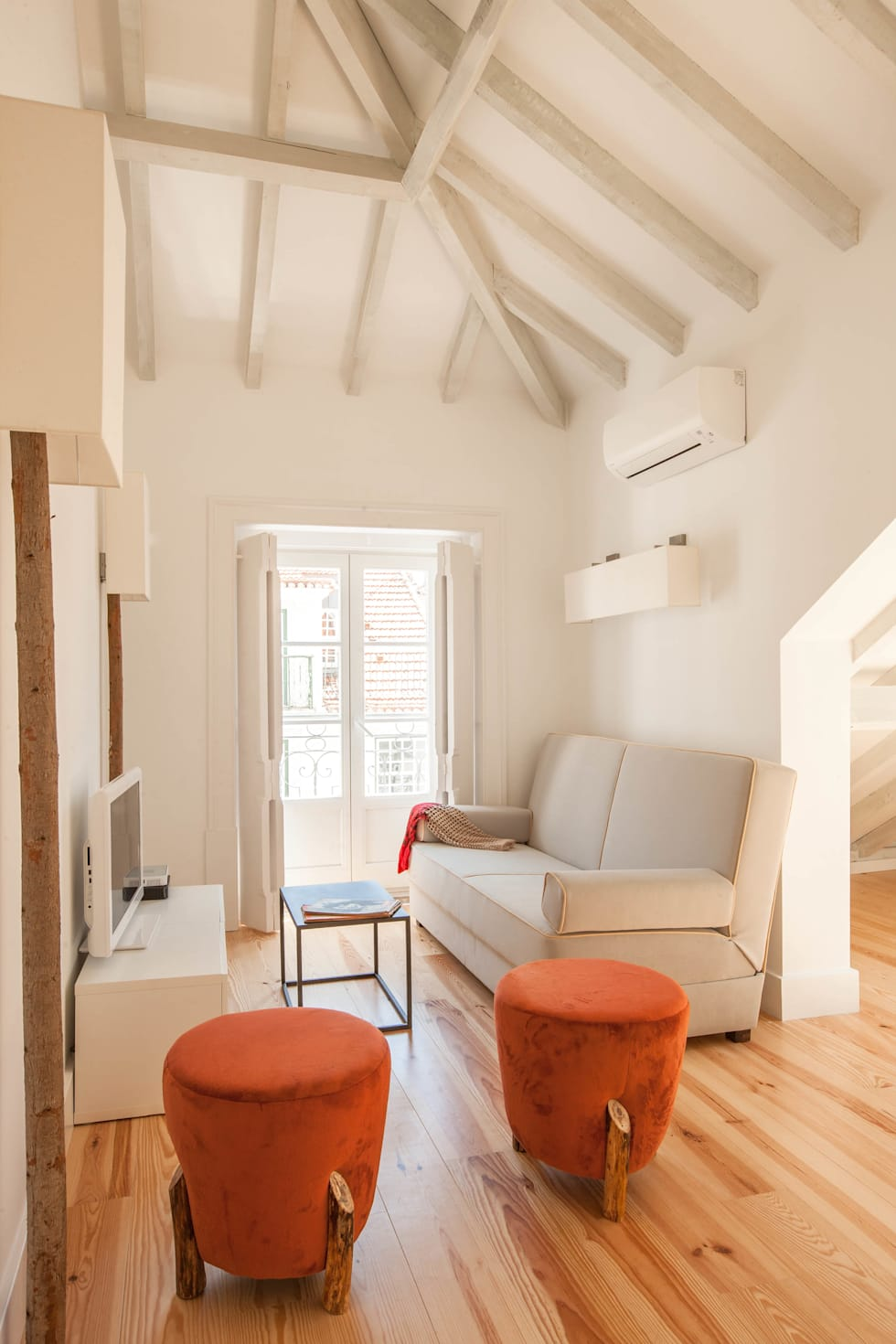 This dream apartment in Lisbon is loaded with delicate finesse