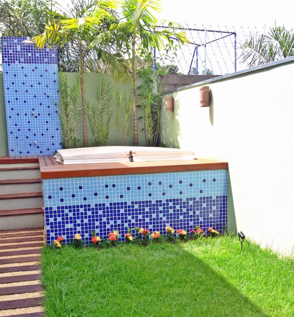 ¿Un jacuzzi o una piscina? 10 ideas geniales para un jardín pequeño