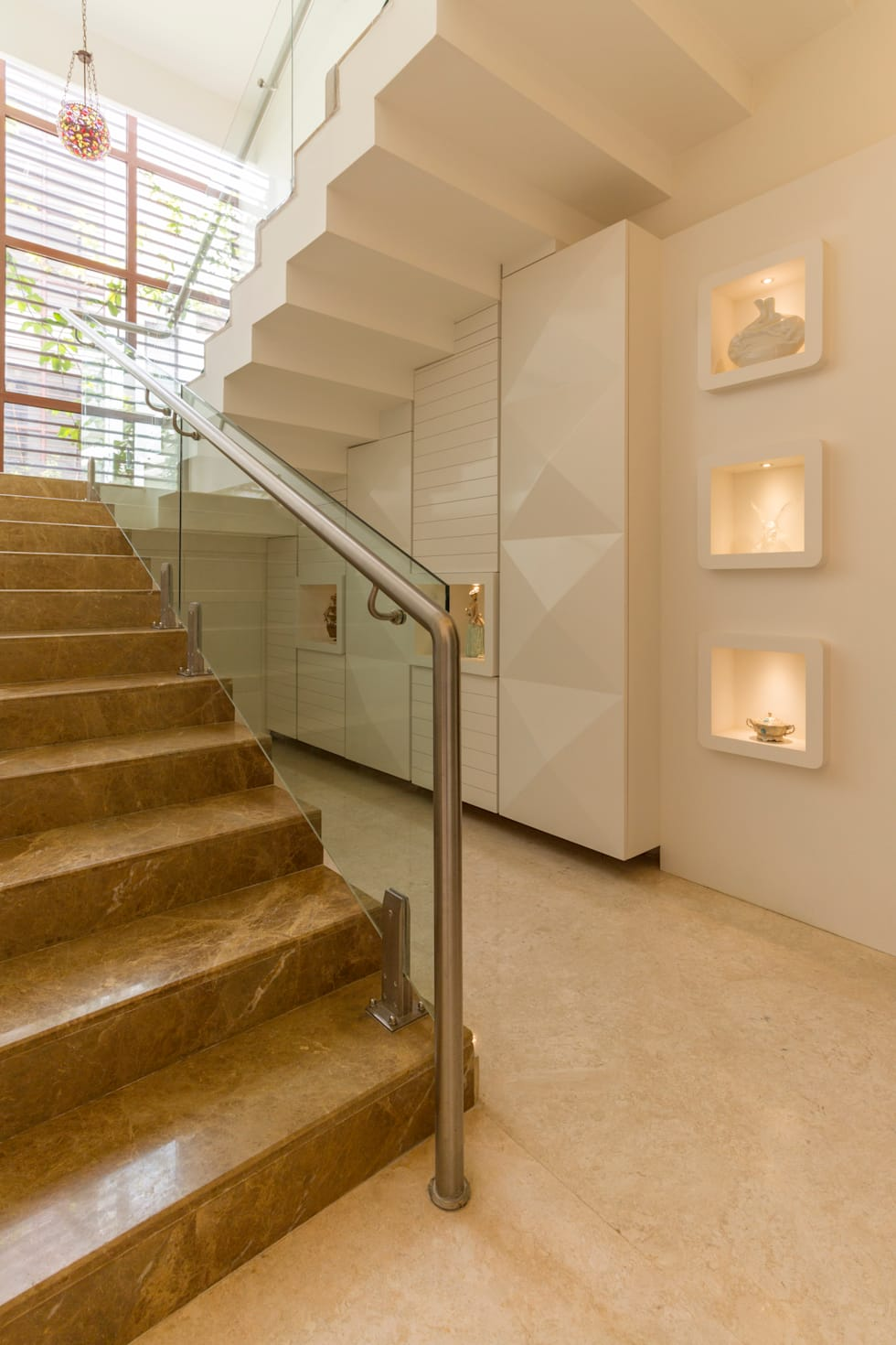 Lit niche :  Stairs by NVT Quality Build solution