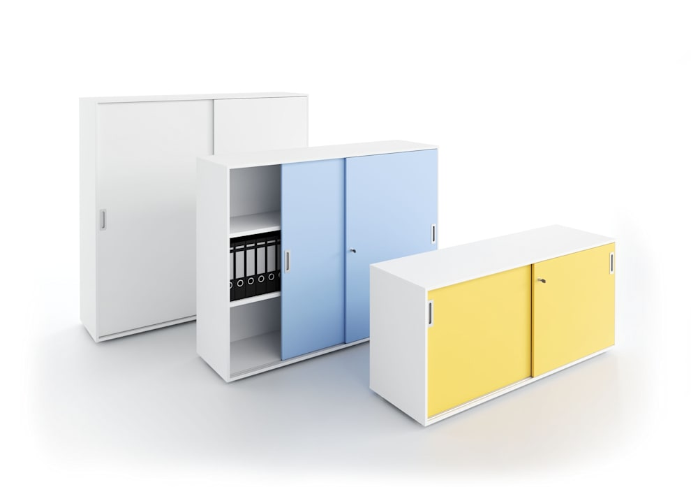 DV545 - Contenitori ante scorrevoli: Studio in stile in stile Moderno di DVO S.P.A.
