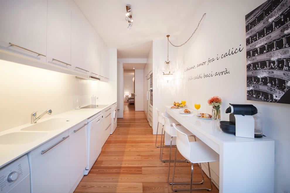 Home Staging Factory: minimal tarz tarz Mutfak