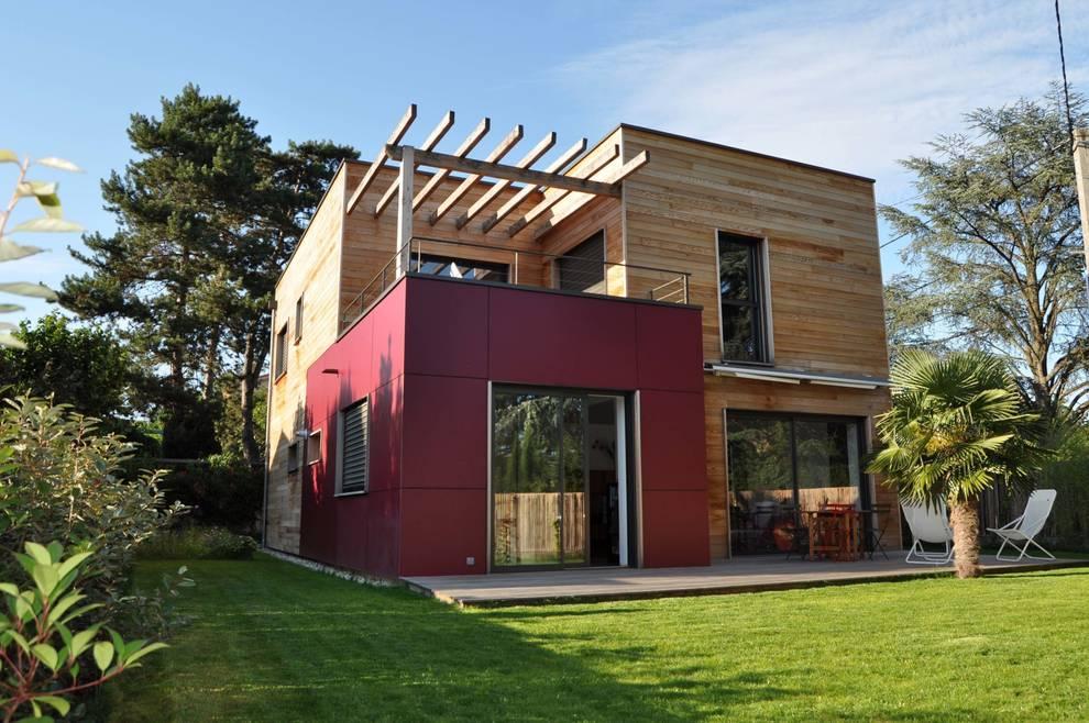 Casas  por HELENE LAMBOLEY ARCHITECTE DPLG