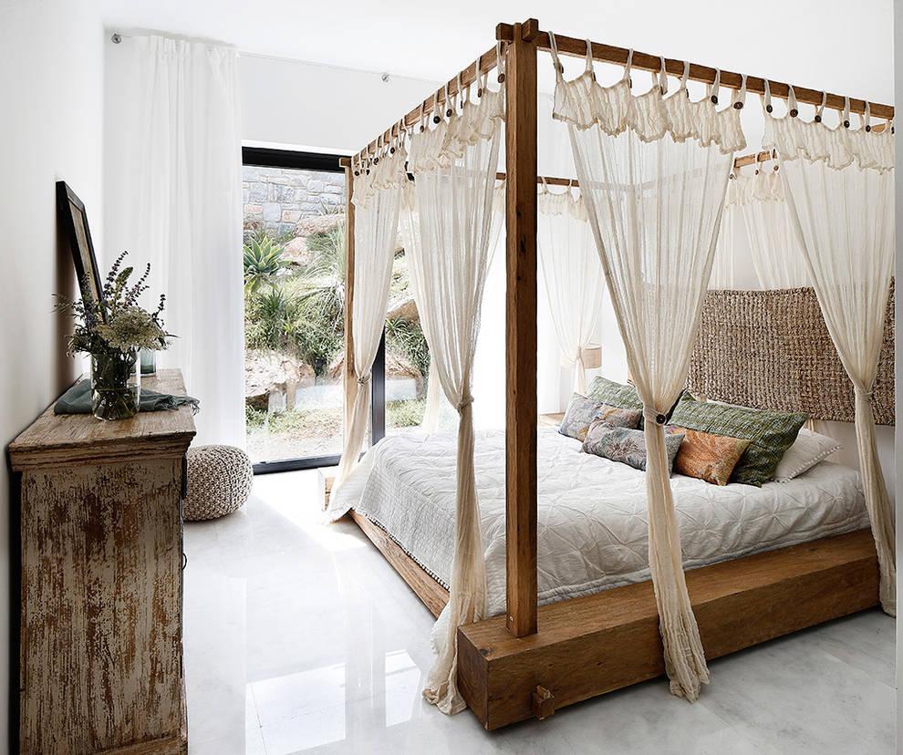 Dormitorios de estilo  por Engel & Völkers Bodrum