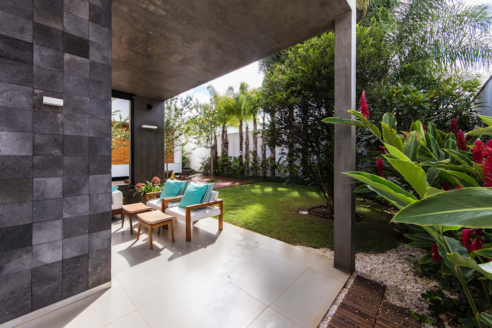 Patios by Felipe Bueno Arquitetura