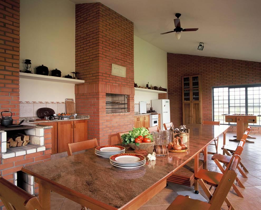 CASA DE FAZENDA: Cozinhas  por IDALIA DAUDT Arquitetura e Design de Interiores