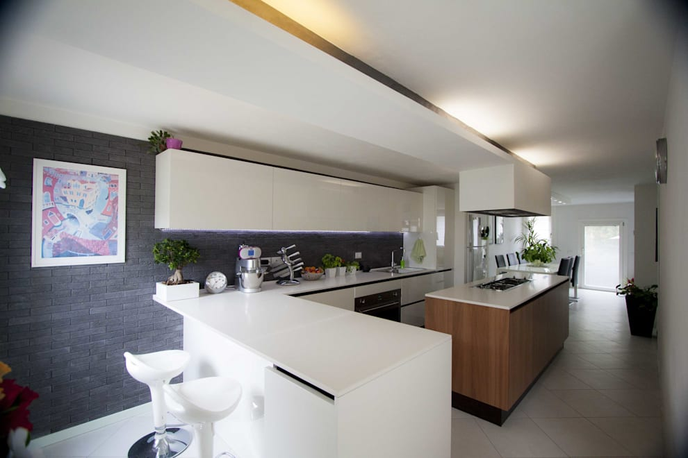 Studio HAUS: modern tarz Mutfak
