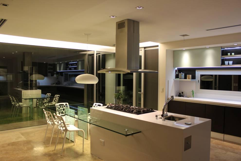 cm espacio & arquitectura srl: modern tarz Mutfak