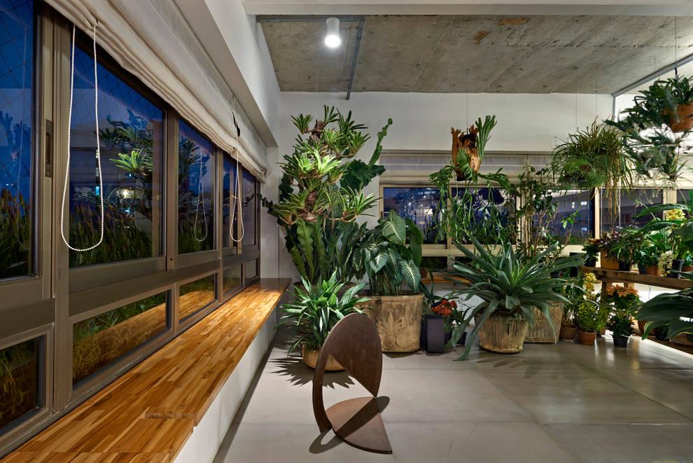 Jardim Interno: Jardins de inverno minimalistas por Piratininga Arquitetos Associados