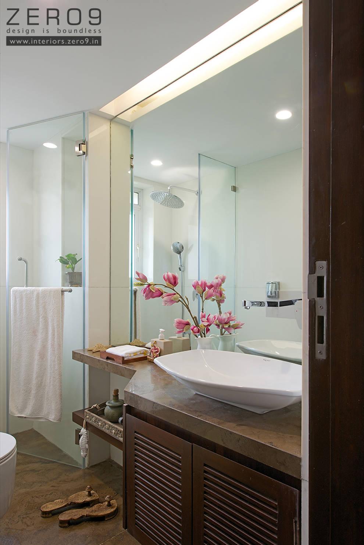 contemporary bathroom:  Bathroom by ZERO9
