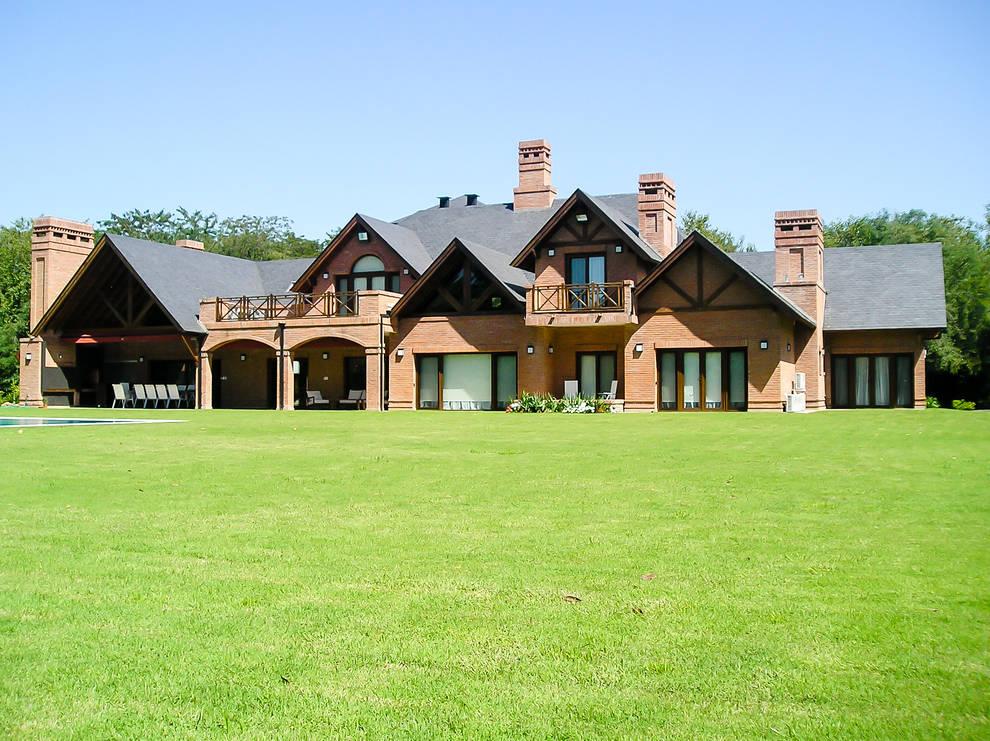 GRECO HOUSE: Casas de estilo  por Carbone Fernandez Arquitectos