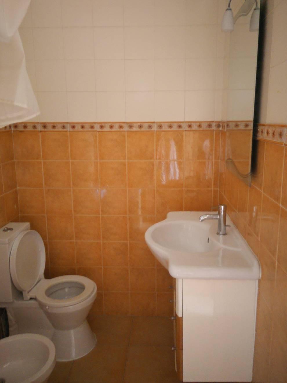 Banheiros ecléticos por MUDA Home Design