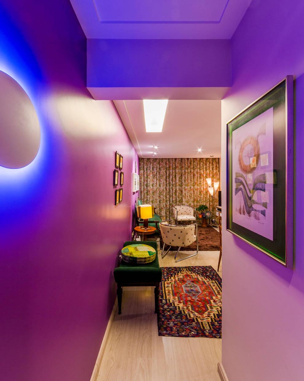 Hall de Entrada - Apartamento Eclético: Corredores e halls de entrada  por Enzo Sobocinski Arquitetura & Interiores
