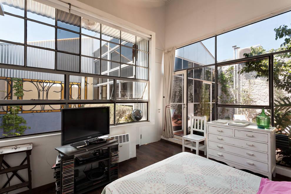 Galpón Lola: Dormitorios de estilo  por Pop Arq