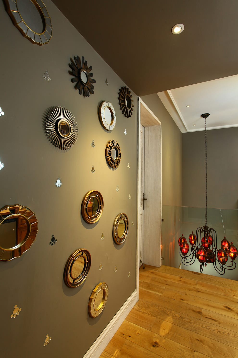Lobby:  Corridor & hallway by groupDCA